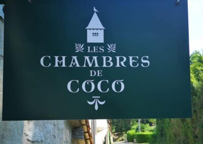 Les Chambres de Coco sign (later rebranded to Le Manoir de Nabinaud)
